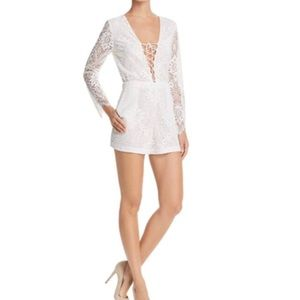 Alice and Olivia Clarkson Lace Romper Size 4 NWT